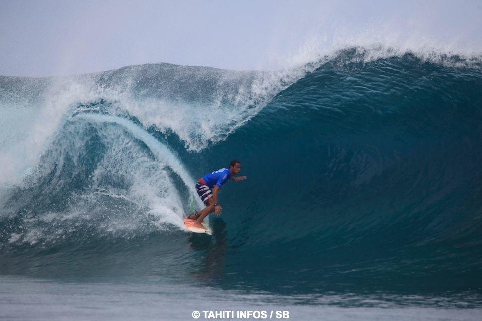 Hira Teriinatoofa a proposé un surf agressif