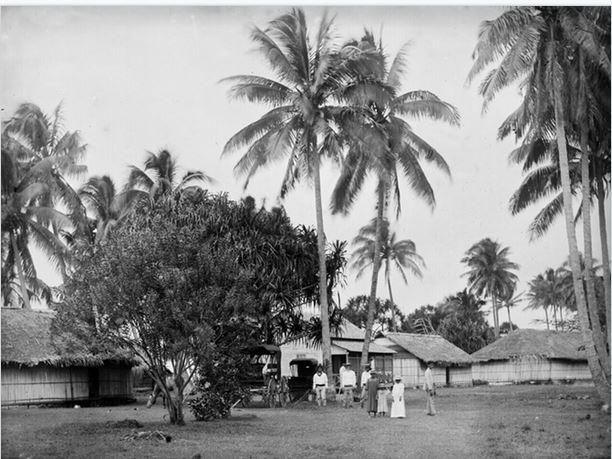 4 Village de Tautira en 1900. Photo Henri Lemasson