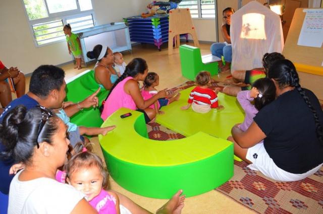 Les Maisons de l'enfance ont pour mission d'être un lieu de médiation et d'accompagnement à la parentalité, un lien entre l'école et la maison.