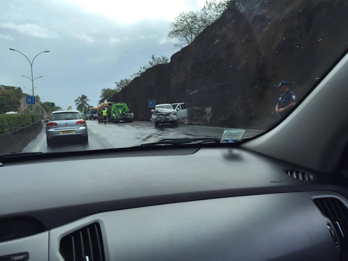 Un accident au début de la RDO à Papeete