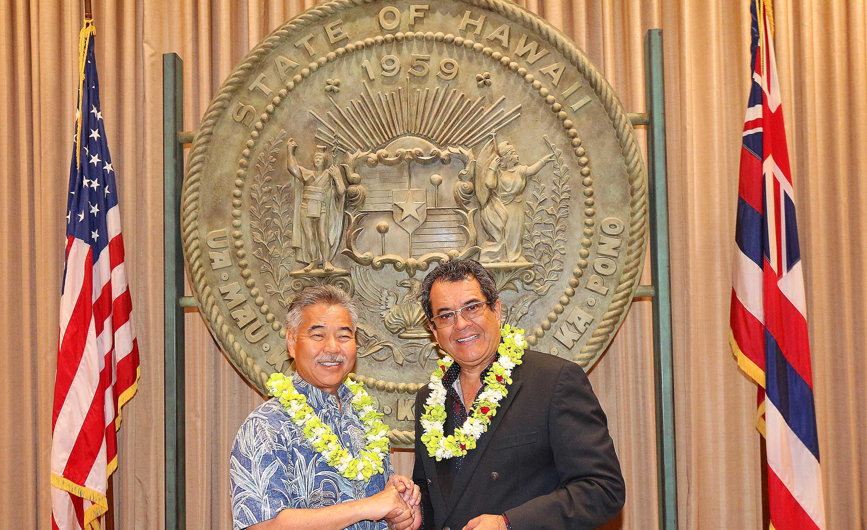 Edouard Fritch a été reçu lundi par le gouverneur d'Hawaii, David Ige, à Honolulu.