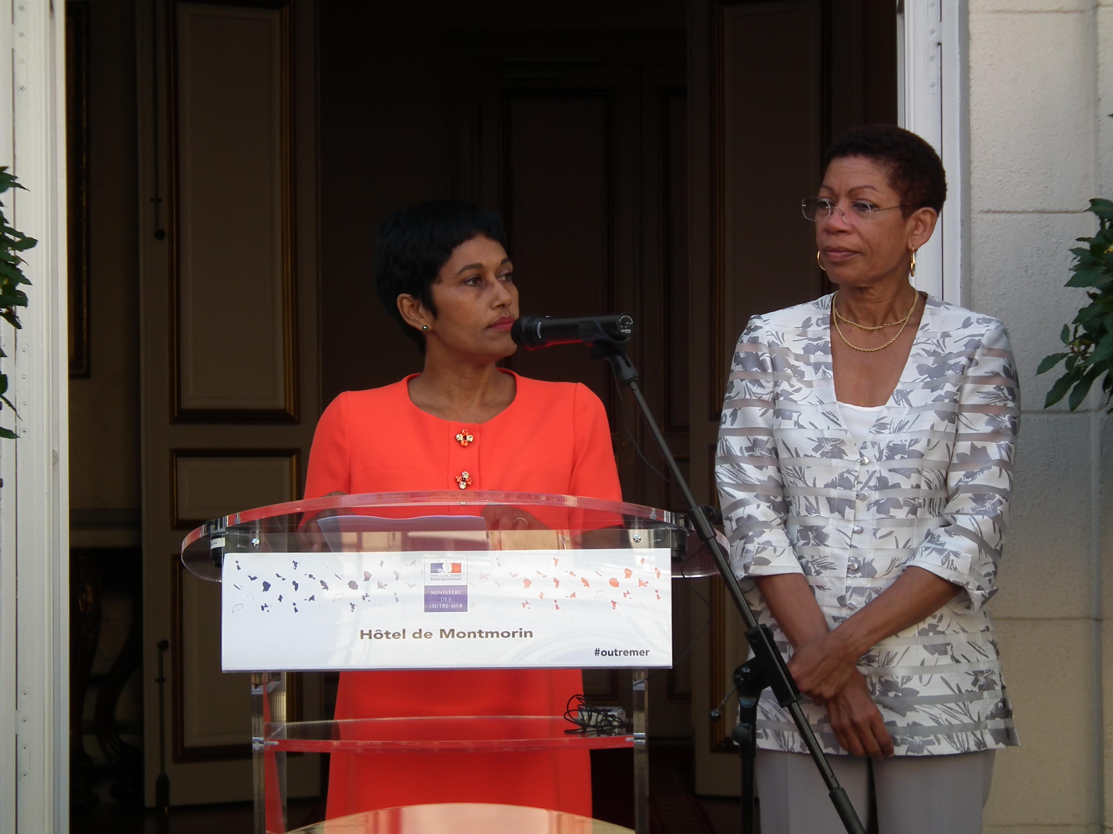 Mercredi matin, lors de la passation de pouvoirs au ministère des Outre-mer, entre George Pau-Langevin et Ericka Bareigts.