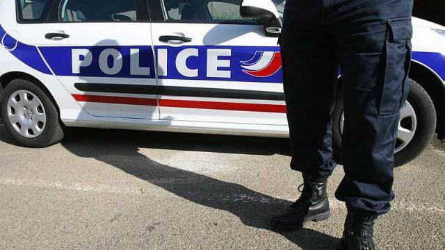 Un enseignant tente de s'immoler dans la salle des profs près de Rouen