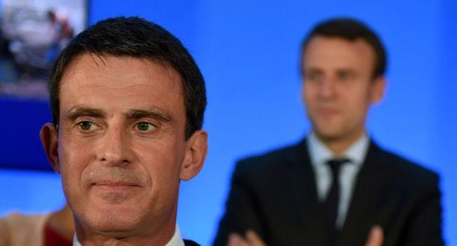 """Démission Macron: """"moi, j'ai un principe, c'est la loyauté"""", on ne """"déserte"""" pas, dit Valls"""