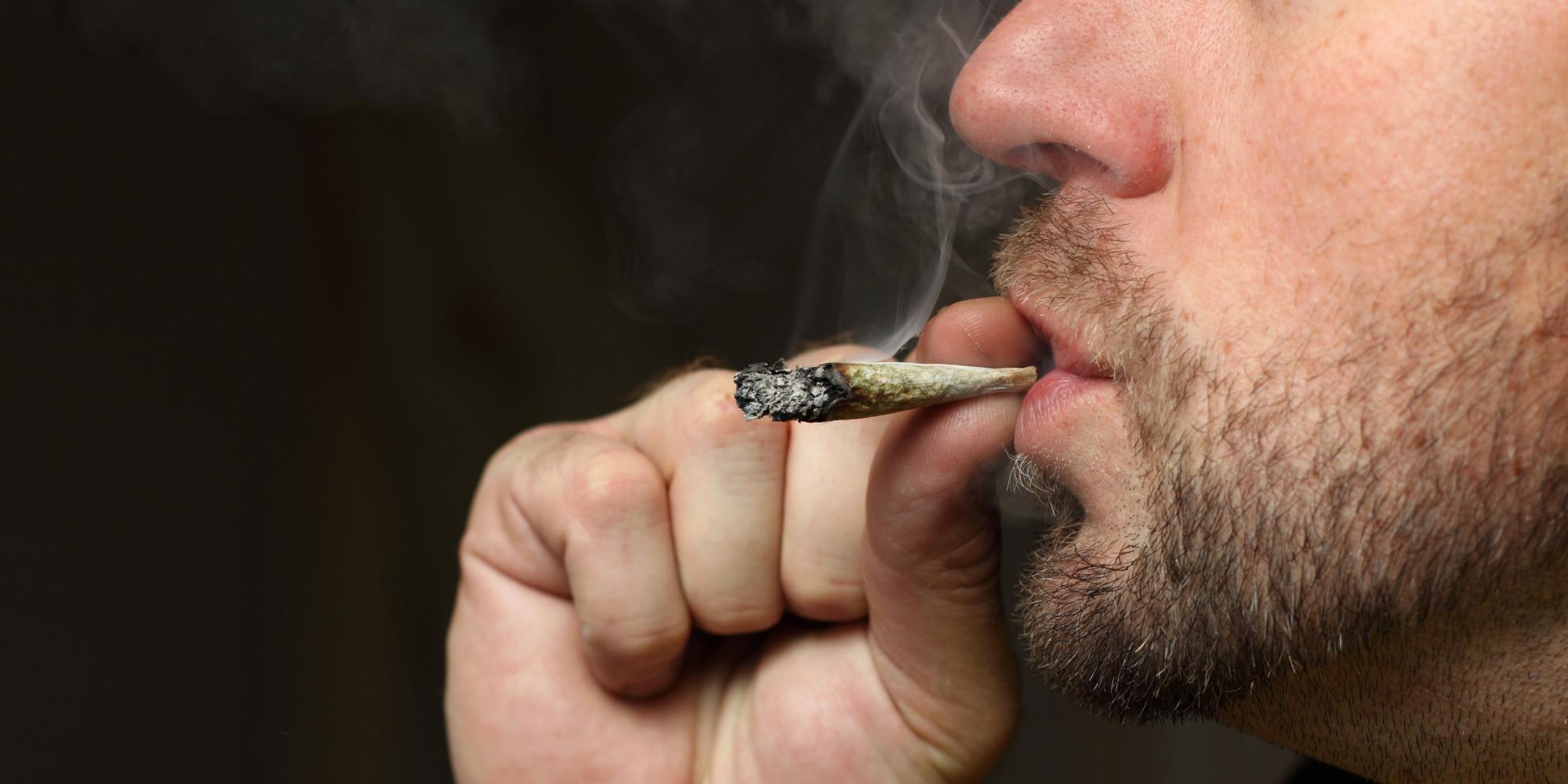 USA : les adultes plus nombreux à fumer du cannabis et moins à y voir un risque