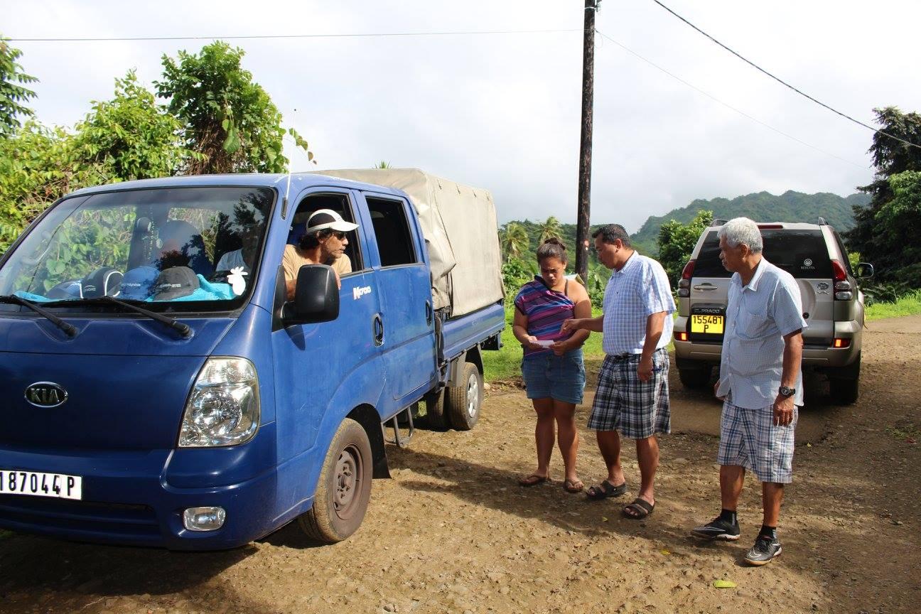 Pour bénéficier de cette eau, les familles devront se rendre à la mairie pour en faire la demande. Mardi matin, le maire délégué Alain Sangue est allé à la rencontre des riverains.