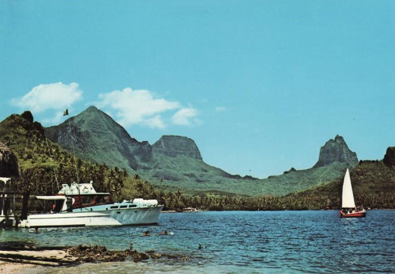 Le Keke II dans la baie de Pao-Pao à Moorea