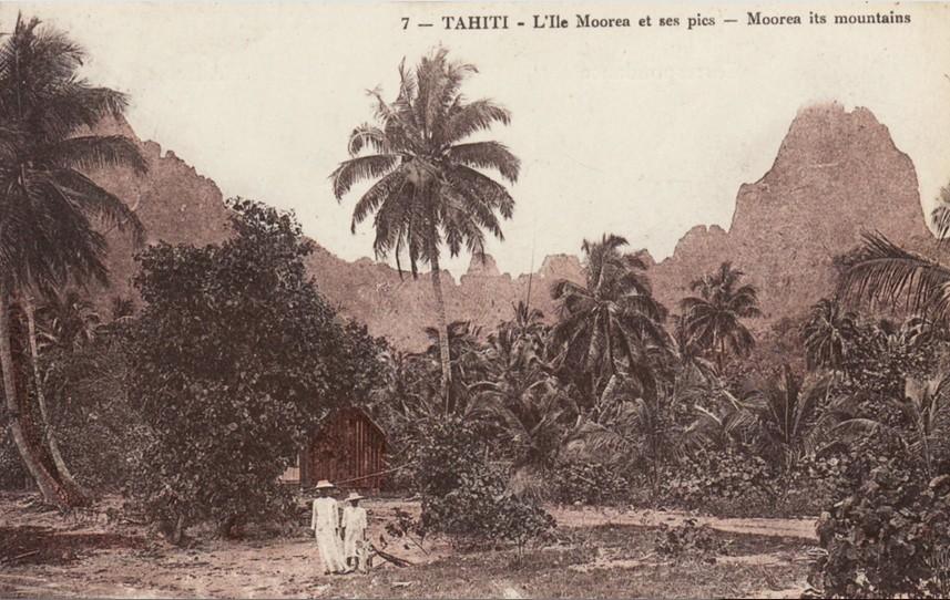 L'île de MOOREA et ses pics vers 1900. Edition RP