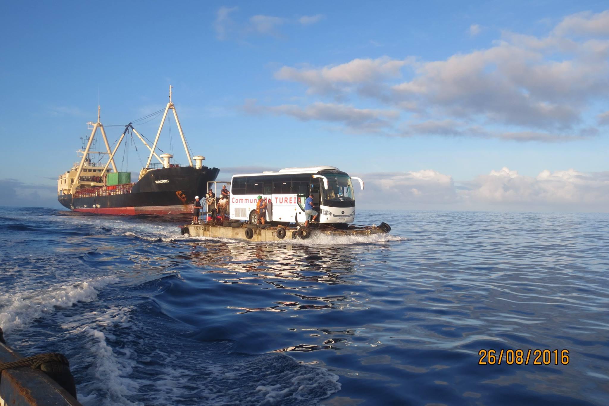 Un nouveau bus scolaire pour l'atoll de Tureia