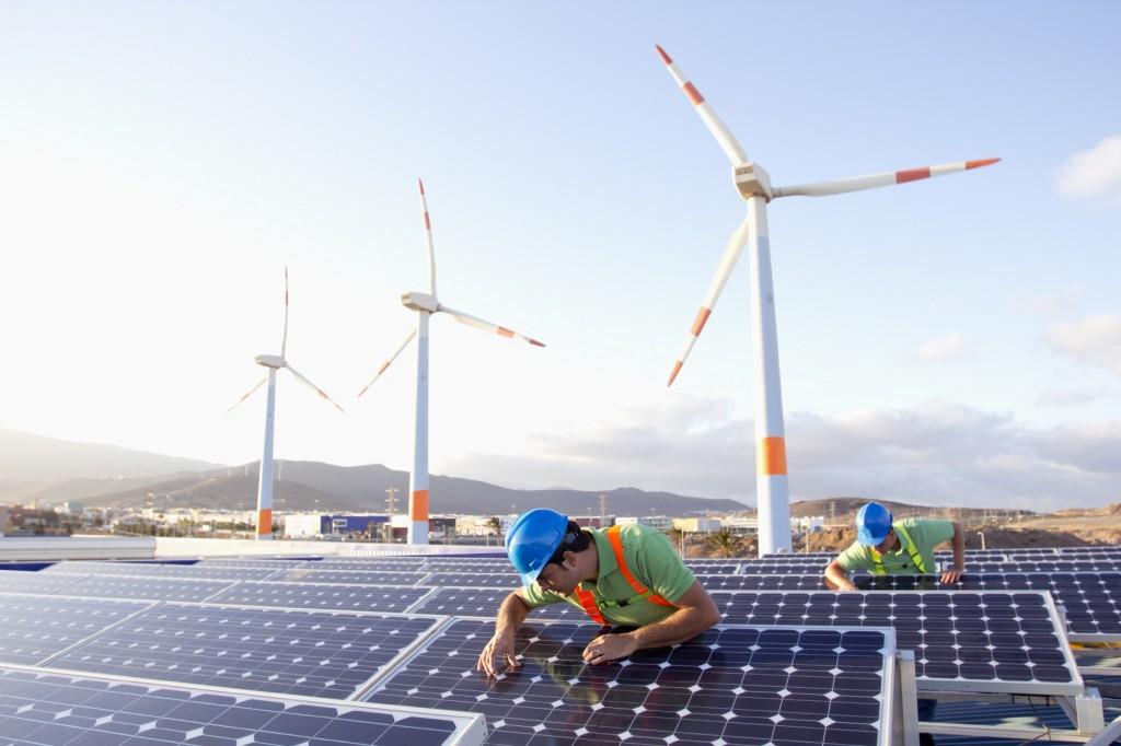 Trois îles du Finistère lancent un programme pilote de transition énergétique