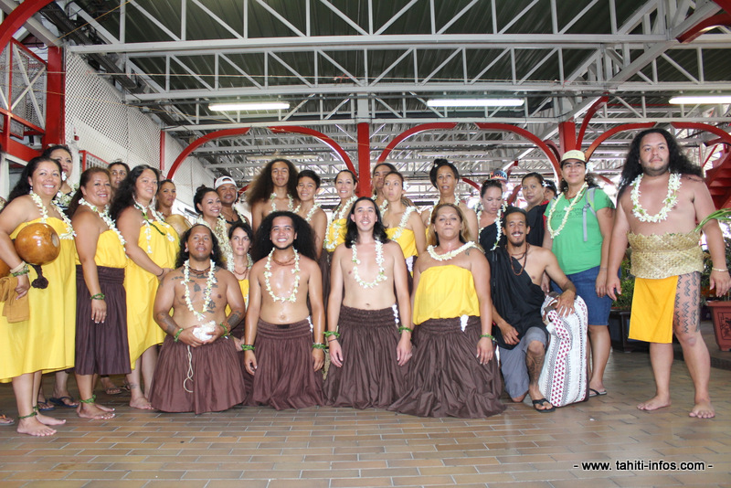 [INTERACTIF] Découvrez les costumes de la délégation hawaiienne