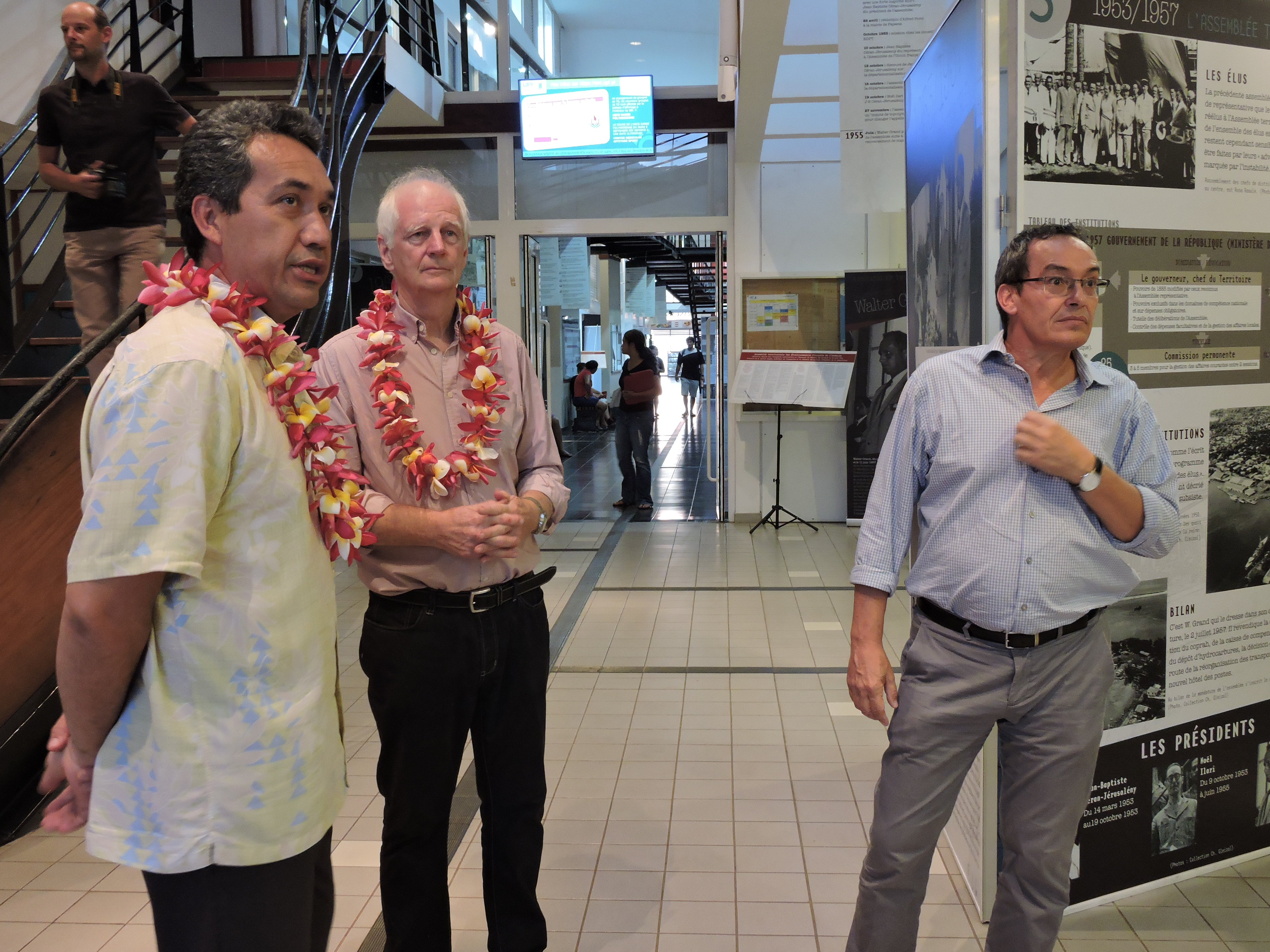 L'exposition a été inaugurée mardi soir à l'université en présence Marcel Tuihani, président de l'assemblée, Jean-Marc Regnault, historien, et Eric Conte, président de l'université.