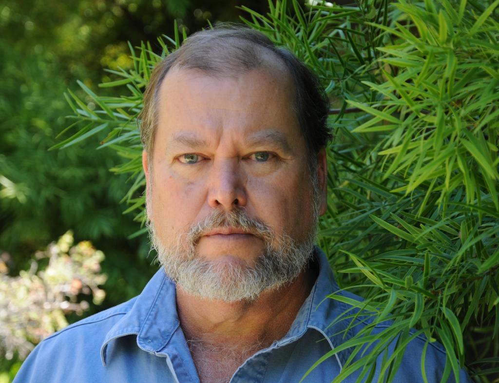 Un grand spécialiste de l'archéologie du Pacifique distingué par l'université
