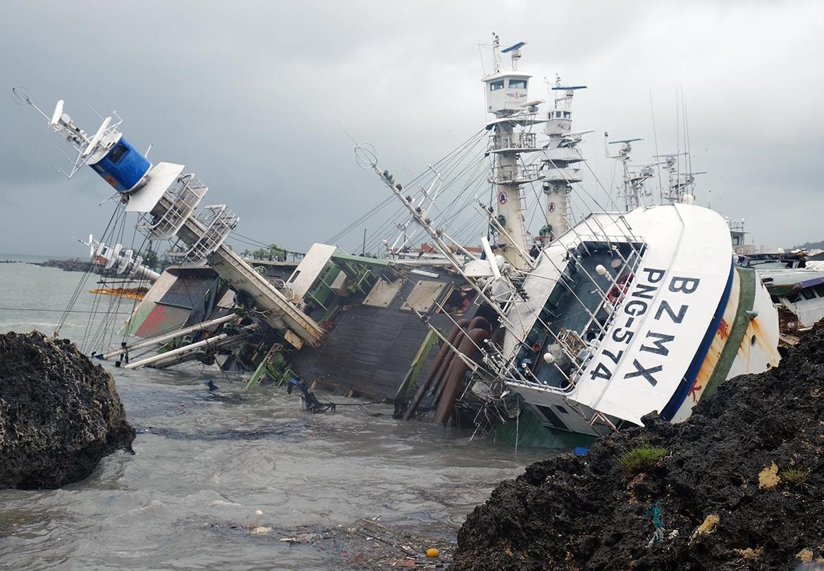 Après Taïwan, le typhon Meranti frappe la Chine, vitres brisées et coupures de courant à Xiamen