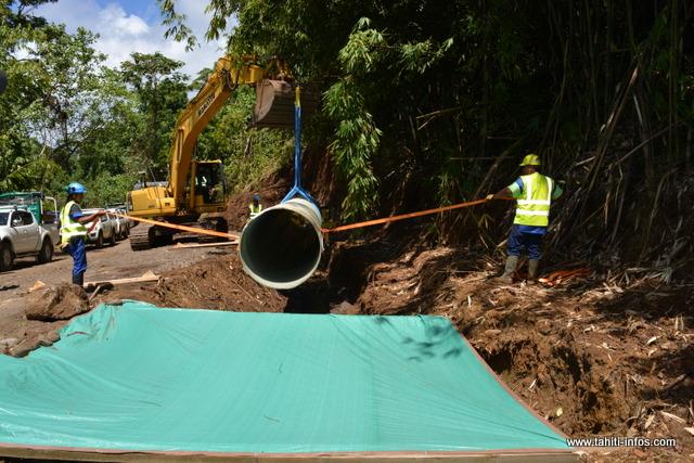 Mercredi dernier, un tuyau en fibre de verre a été installé sur 12 mètres.