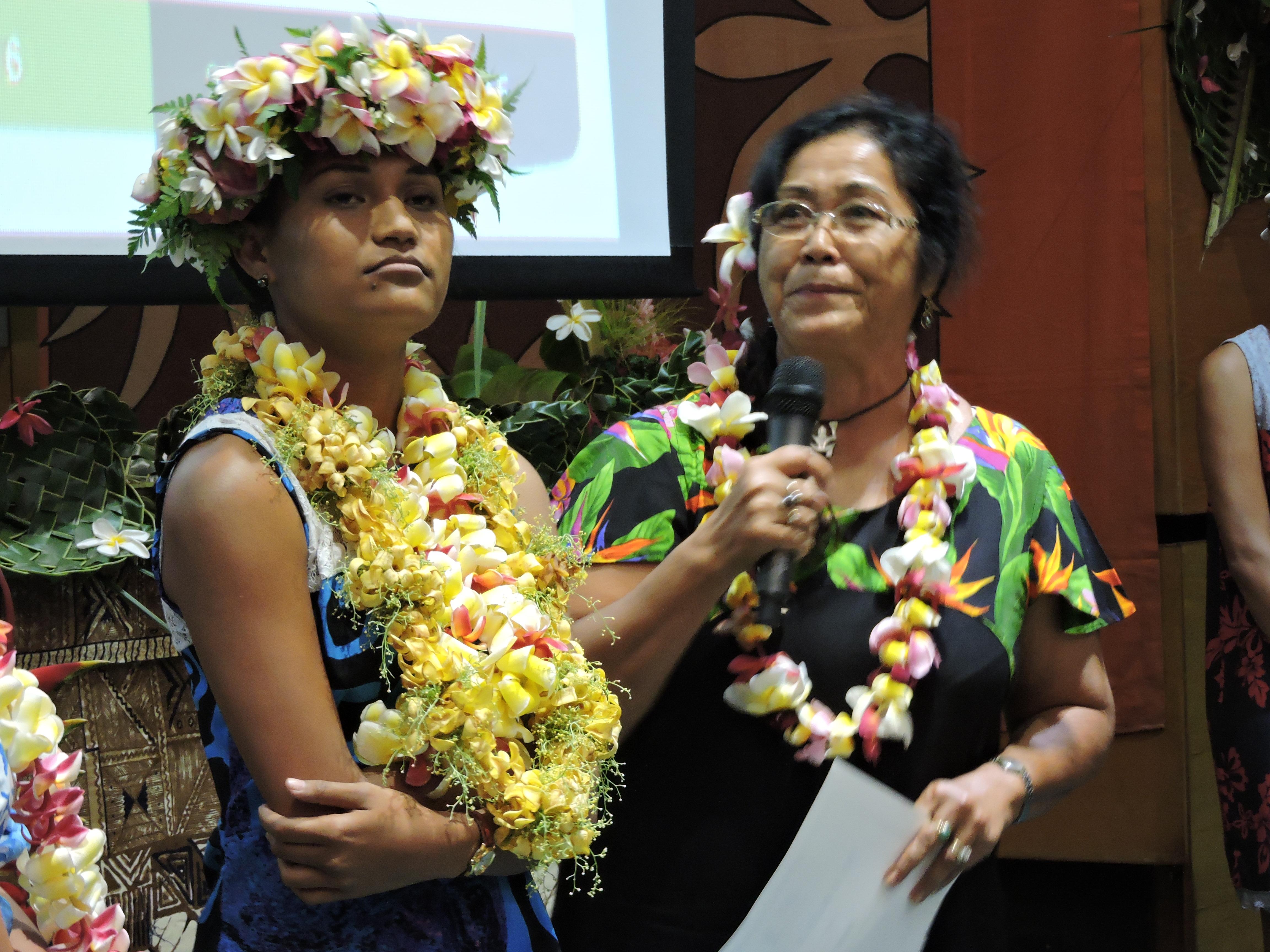 Jeanne Rere est major de la licence de Reo ma'ohi. Elle continue ses études en master pour ensuite passer le Capes.