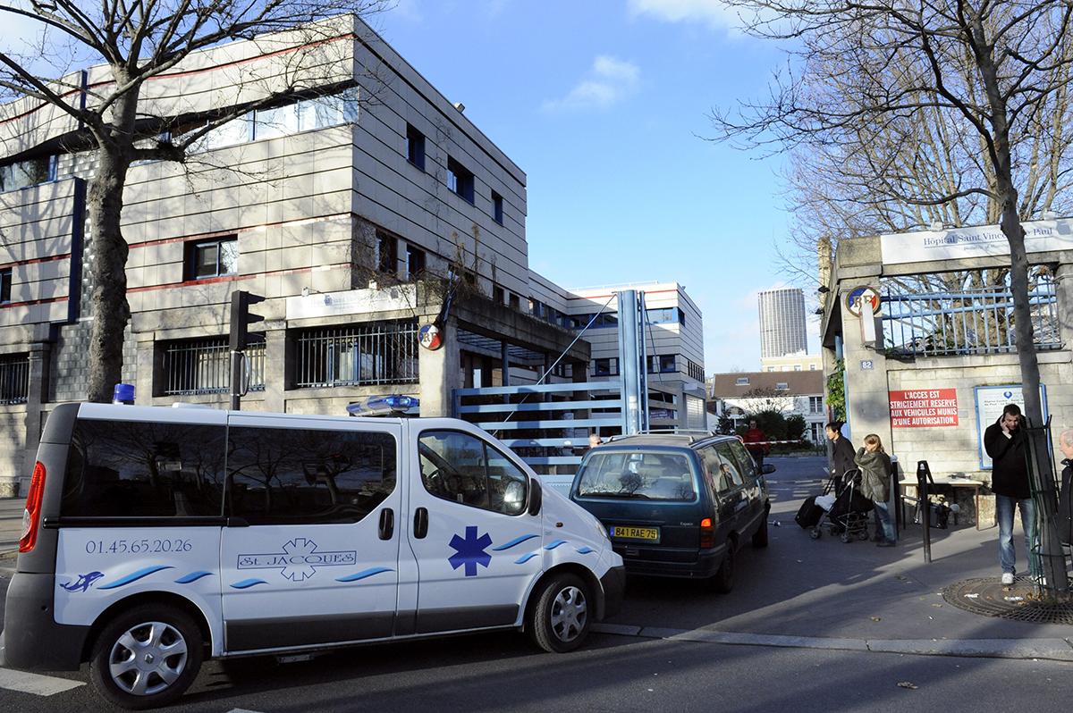 La mort d'un enfant de trois ans à l'hôpital à cause d'une erreur de flacon en procès
