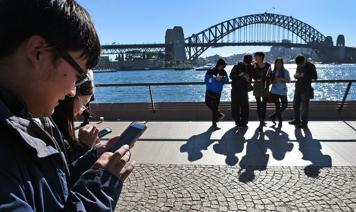 Australie: les jeunes travailleurs étrangers seront moins taxés que prévu