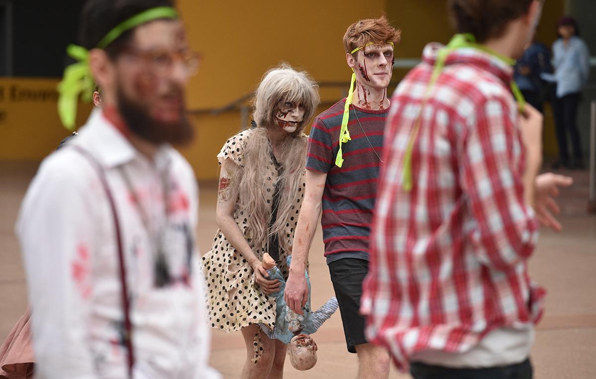 """A """"Zedtown"""", zombies et réalité rattrapent les fans de jeux vidéo"""