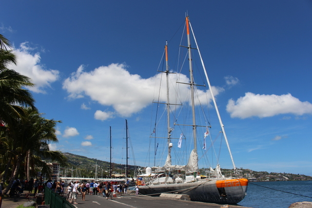 Page enfant : Tara est arrivée à Papeete