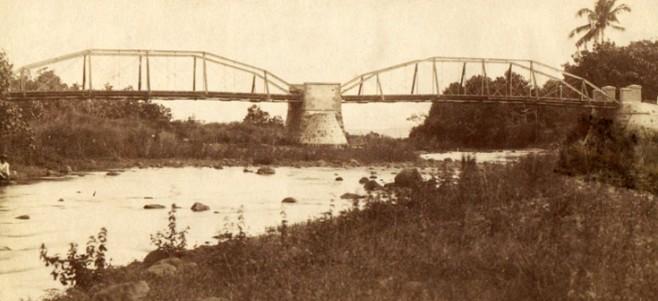 L'ancien pont de la Tahaaru à Papara