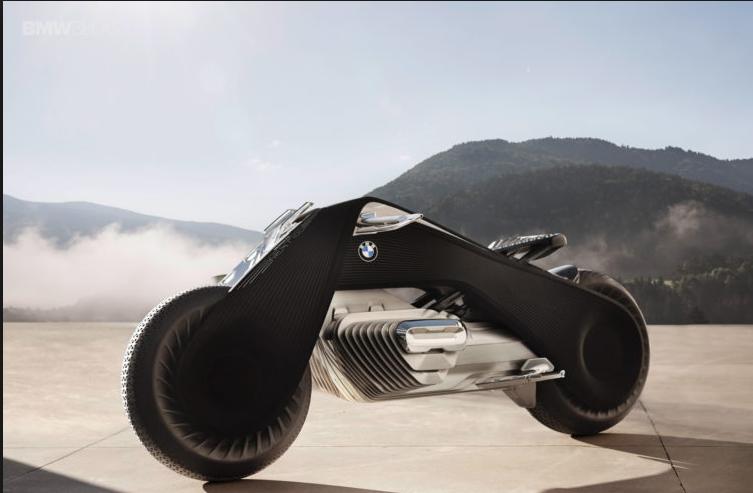 Elle s'auto-équilibre, pas besoin de casque: BMW présente sa moto du futur