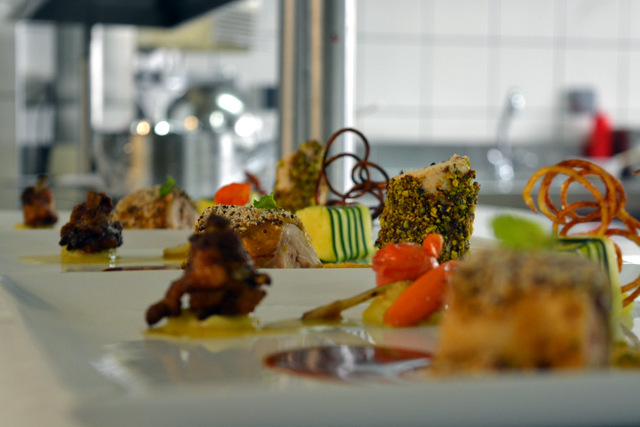 Alann et tehuiarii repr senteront la polyn sie au concours for Art cuisine tahiti