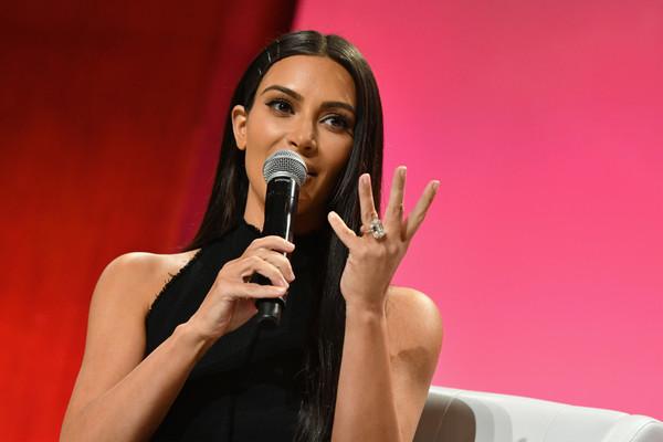 Kim Kardashian garde un silence assourdissant après son agression
