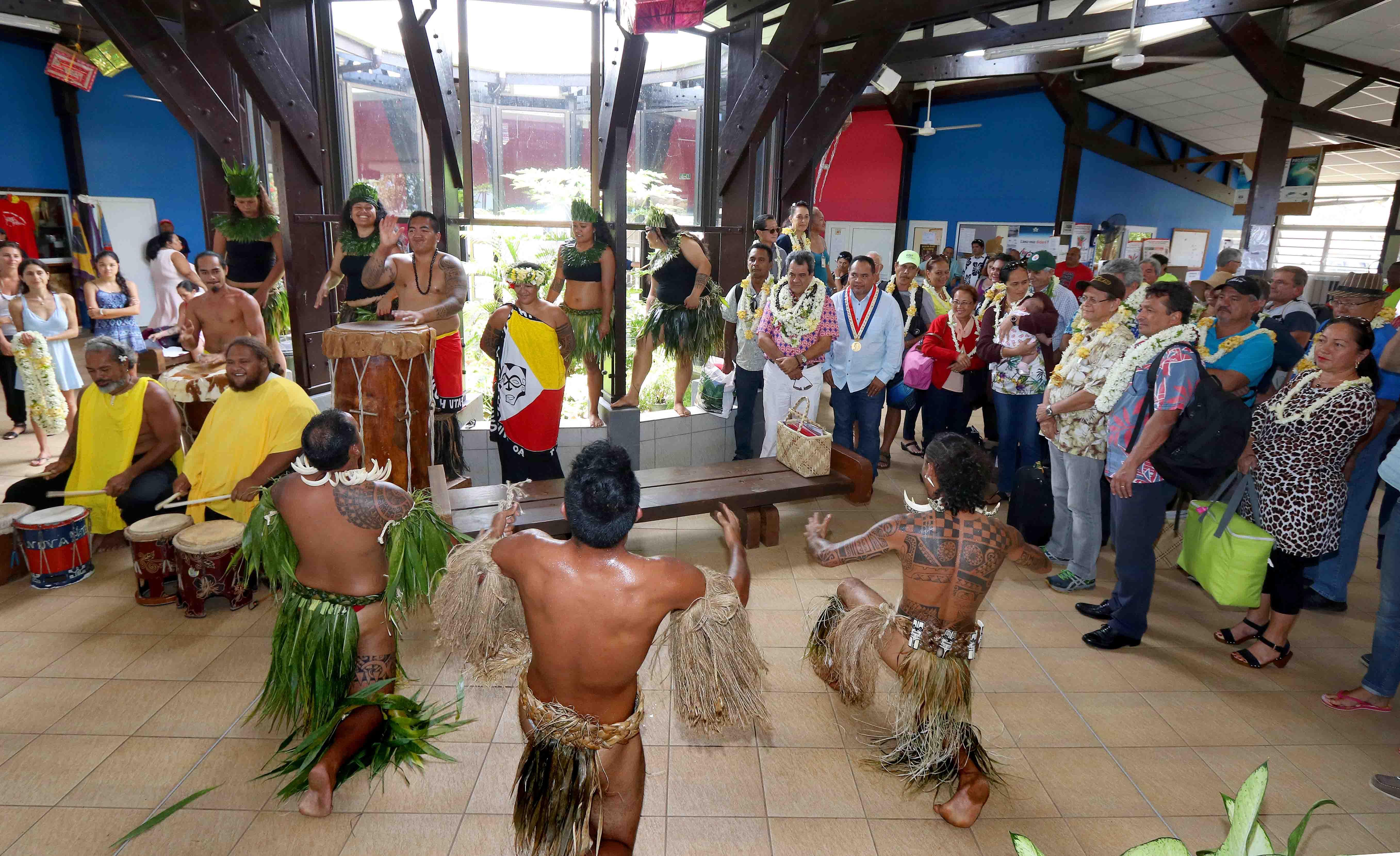Tournée gouvernementale à Nuku Hiva : inaugurations du CET et de la Maison de l'enfance