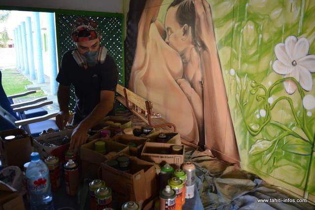 L'allaitement maternel et le développement durable, c'est le thème de la semaine mondiale de l'allaitement maternel. Un chef d'œuvre réalisé par Abuz et Jops, deux graffeurs professionnels, et vainqueurs du festival Ono'u en 2014 et 2015.