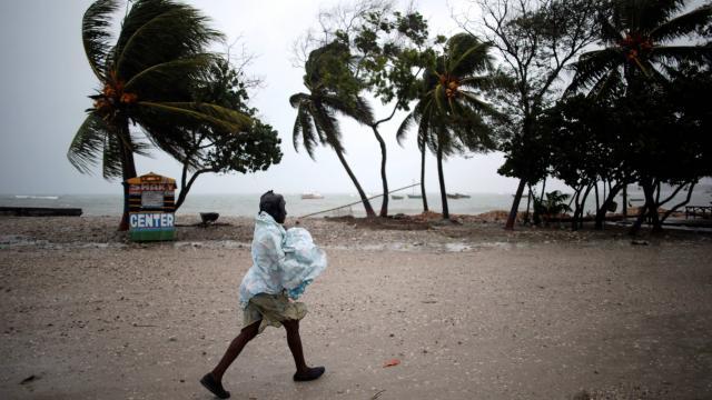 Après l'ouragan en Haïti, les sinistrés résignés à ne pas recevoir d'aide