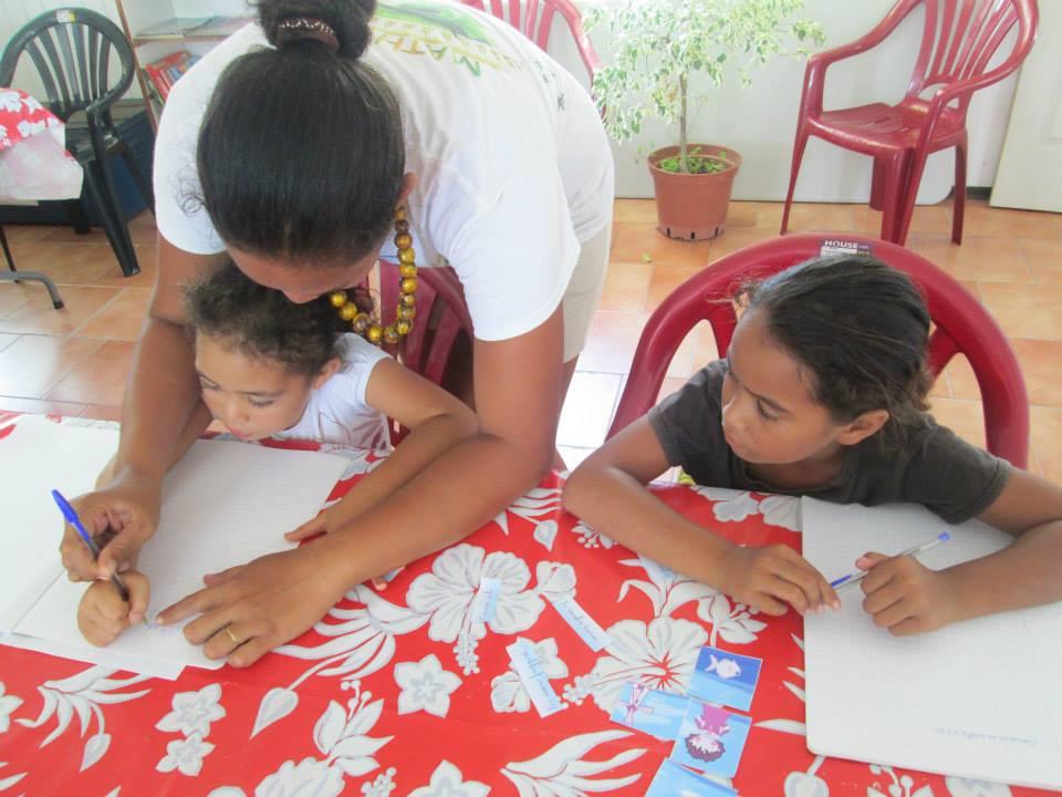 """Une """"aide aux devoirs"""" pour les enfants à partir de quatre ans est organisée le mardi et le jeudi en fin d'après-midi et le mercredi et le vendredi après-midi."""