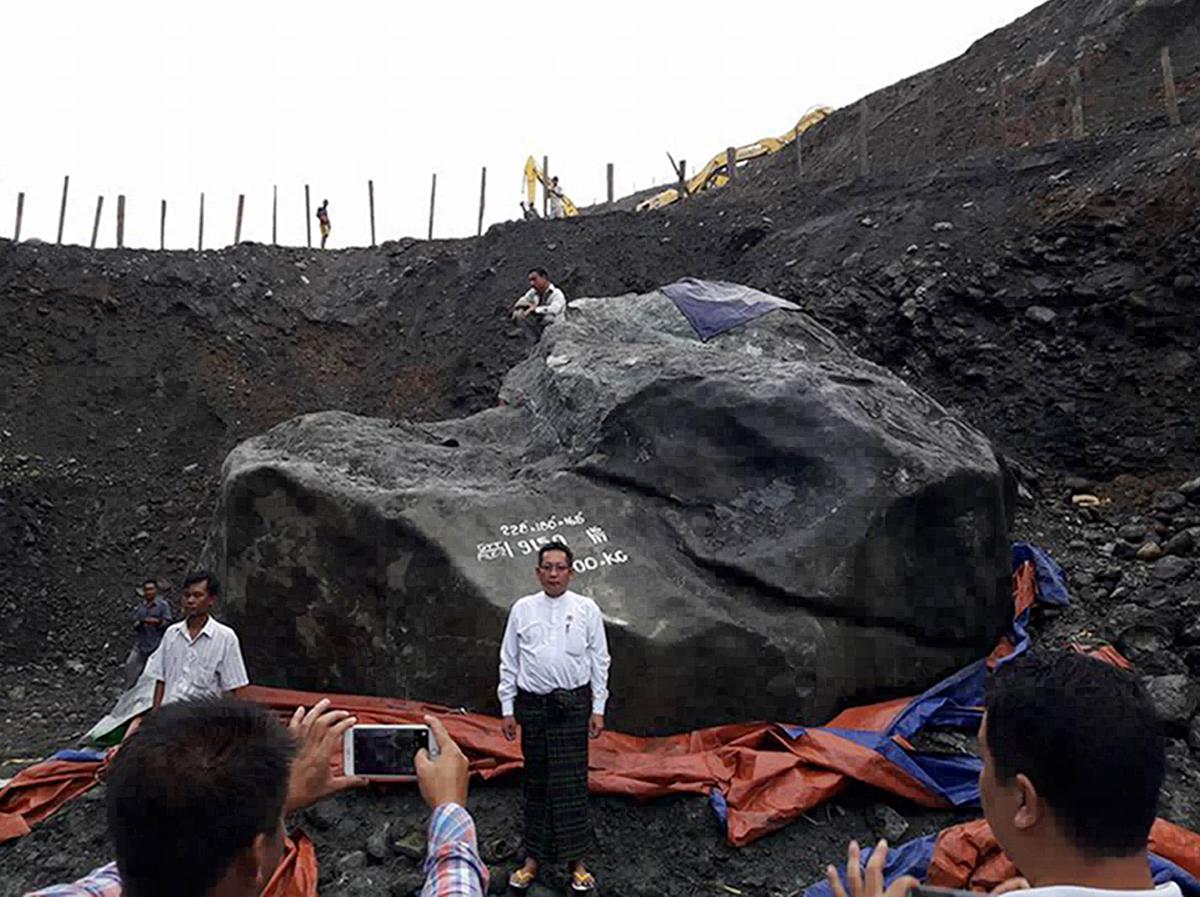Une pierre de jade de 174 tonnes découverte en Birmanie