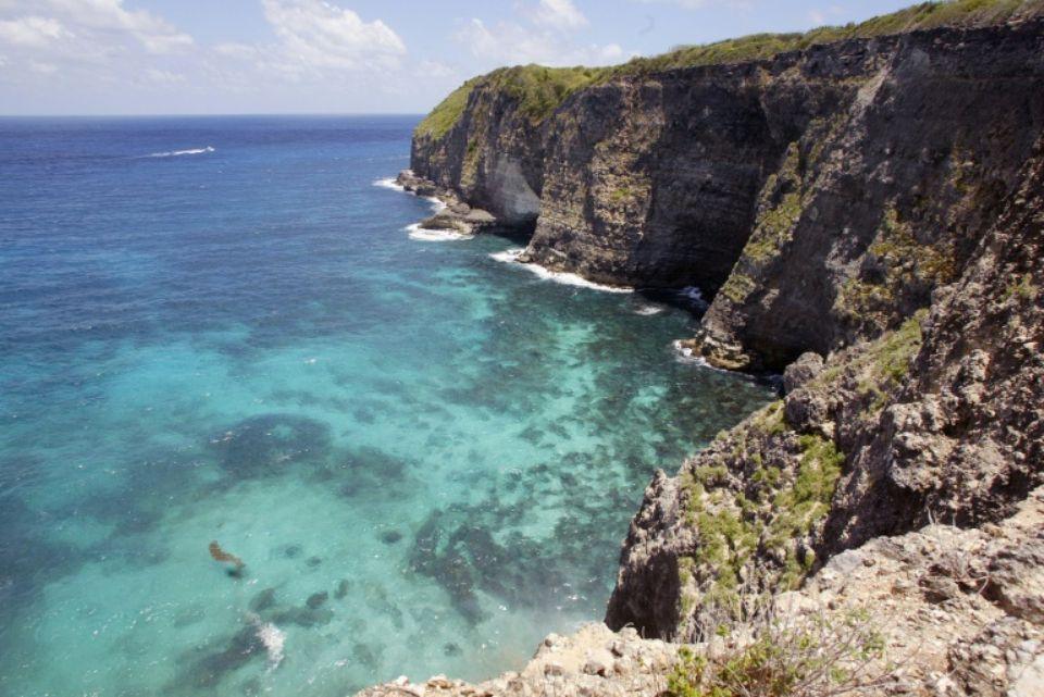 Guadeloupe: l'épave de l'avion disparu fin septembre retrouvée en mer