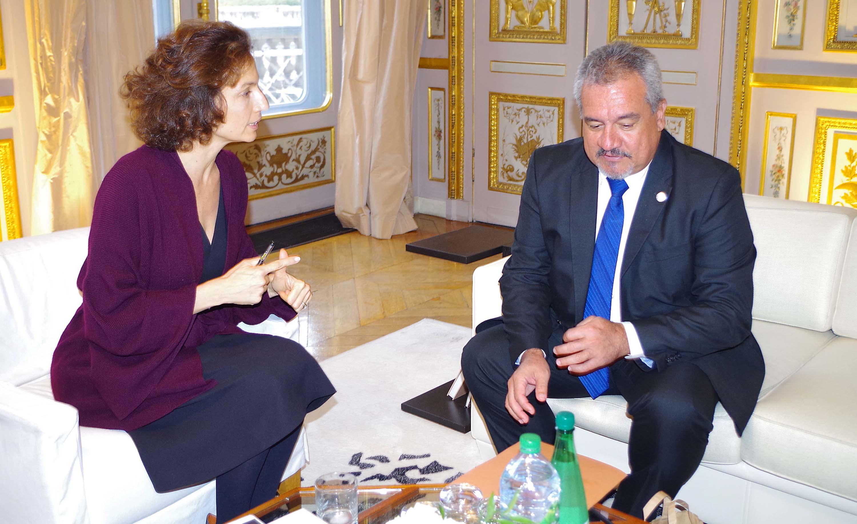 Lors de l'entretien avec Audrey Azoulay, ministre de la Culture et de la Communication du gouvernement Hollande.