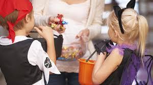 Furieux contre des enfants qui fêtent Halloween, un couple risque 750 euros d'amende