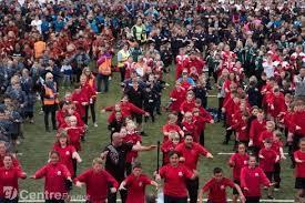 Nouvelle-Zélande: 7.000 élèves revendiquent un nouveau record mondial du plus grand haka