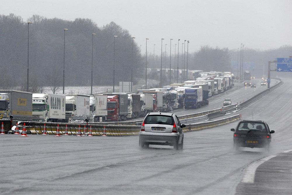 Pluie et neige: record de bouchons en Ile-de-France lundi matin
