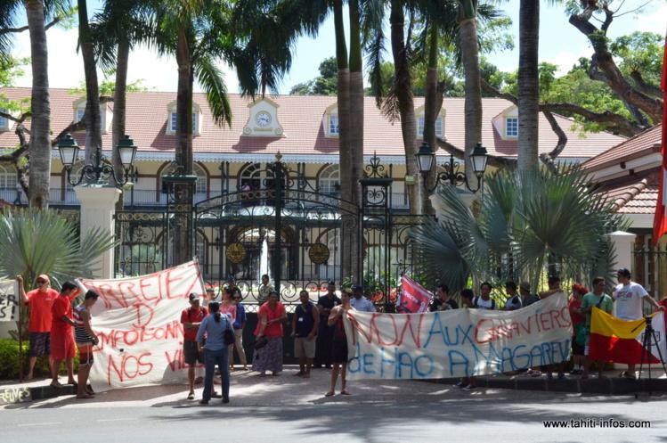 Même si l'ambiance serait sur le point de s'apaiser du côté de Rikitea. À Tahiti, les membres de l'association veulent toujours rencontrer le président du Pays, Edouard Fritch (photo d'archives).