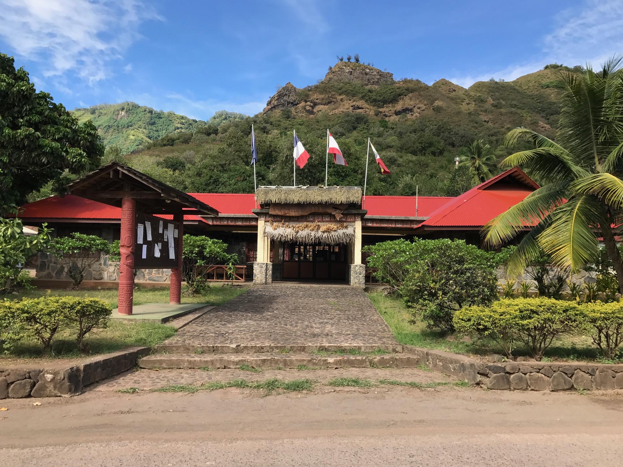 """La Sofidep recevra lundi 7 novembre et mardi 8 dans la salle de conseil de la mairie de Nuku Hiva (photo), puis mercredi 9 novembre à partir de 16 heures dans la salle """"Afometh"""" de la mairie de Hiva Oa."""