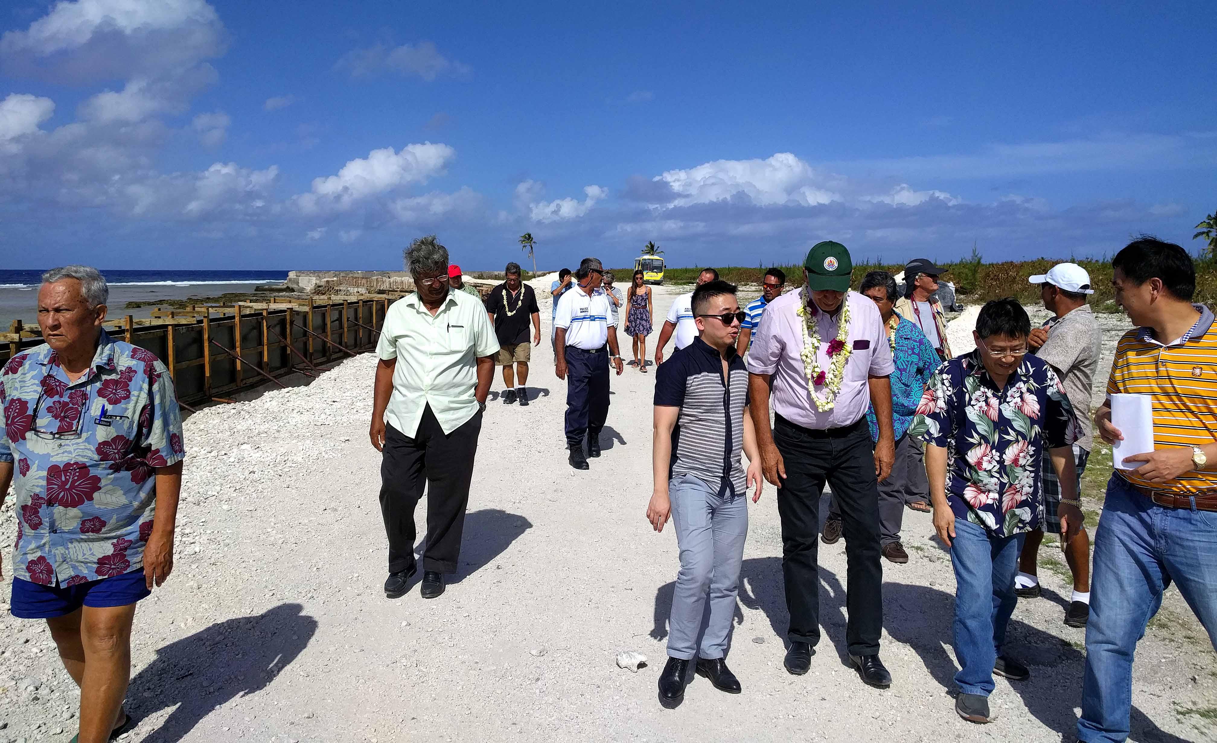 Une délégation de Tahiti Nui Ocean Foods à Hao