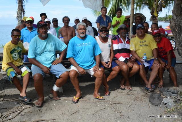 Les pêcheurs de l'association Nu'utere rava'ai étaient présents ce mardi matin