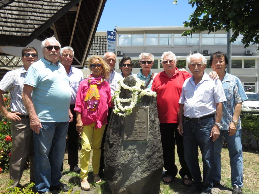 Comme chaque année, un hommage à Paul Bernard était organisé, mercredi dernier, devant la stèle à la mémoire de cette figure du transport aérien local.