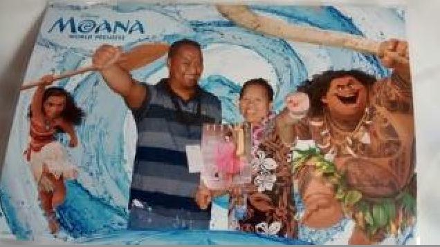 Lundi soir, sur Hollywood Boulevard, le couple a participé à l'avant première de Moana, un grand moment!