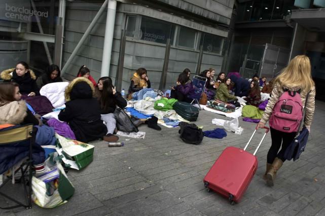 A Madrid, des fans de Justin Bieber attendent leur idole depuis des semaines