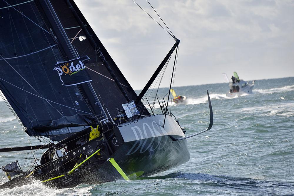 Vendée Globe - Thomson, touché mais pas coulé, toujours devant, et presto!