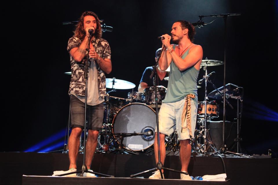 Fréro Delavega : les deux artistes-chanteurs virevoltants ont séduit le public polynésien