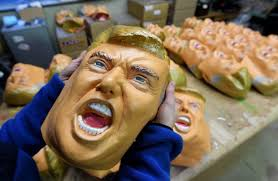 Au moins un Japonais heureux de la victoire de Trump: un fabricant de masques