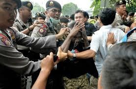 Indonésie: une manifestation de papous réprimée au canon à eau