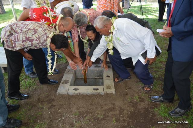 Pour la pose de la première pierre, l'ensemble des confessions religieuses étaient présentes.